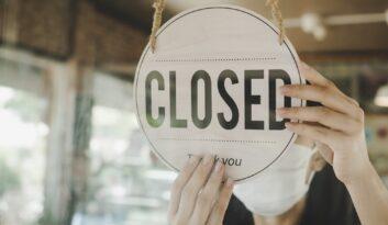 Czy właściciel działalności ma obowiązek zgłaszać Ubezpieczycielowi zamknięcie na czas lockdownu?